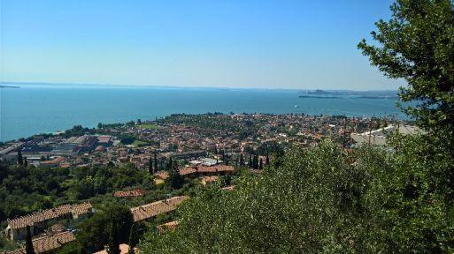 Gaino, vista su Toscolano-Maderno e basso lago
