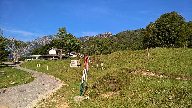 Rifugio Alpini presso passo Nota