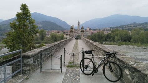 Bobbio, Ponte gobbo