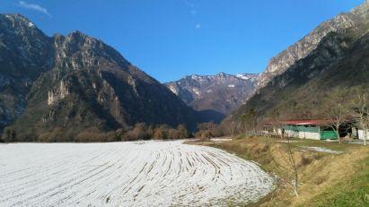 Cima Tignalga a sx, Monte Lavino al centro, Cima Mughera a dx