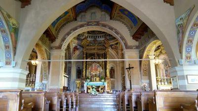 44 Interno della Madonna di Montecastello