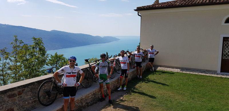 52 Cicloturisti all'eremo di Montecastello