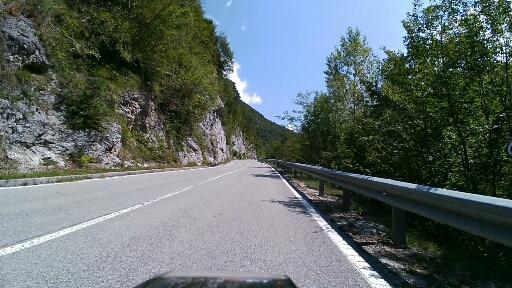 Rettilineo al 12% salendo a Capovalle