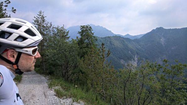 Vista sui monti di Valvestino