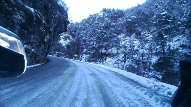Strada per Turano