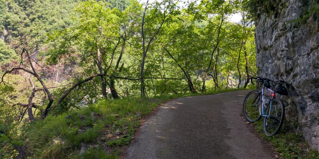 Strada da Passo della Fobbia a Piovere